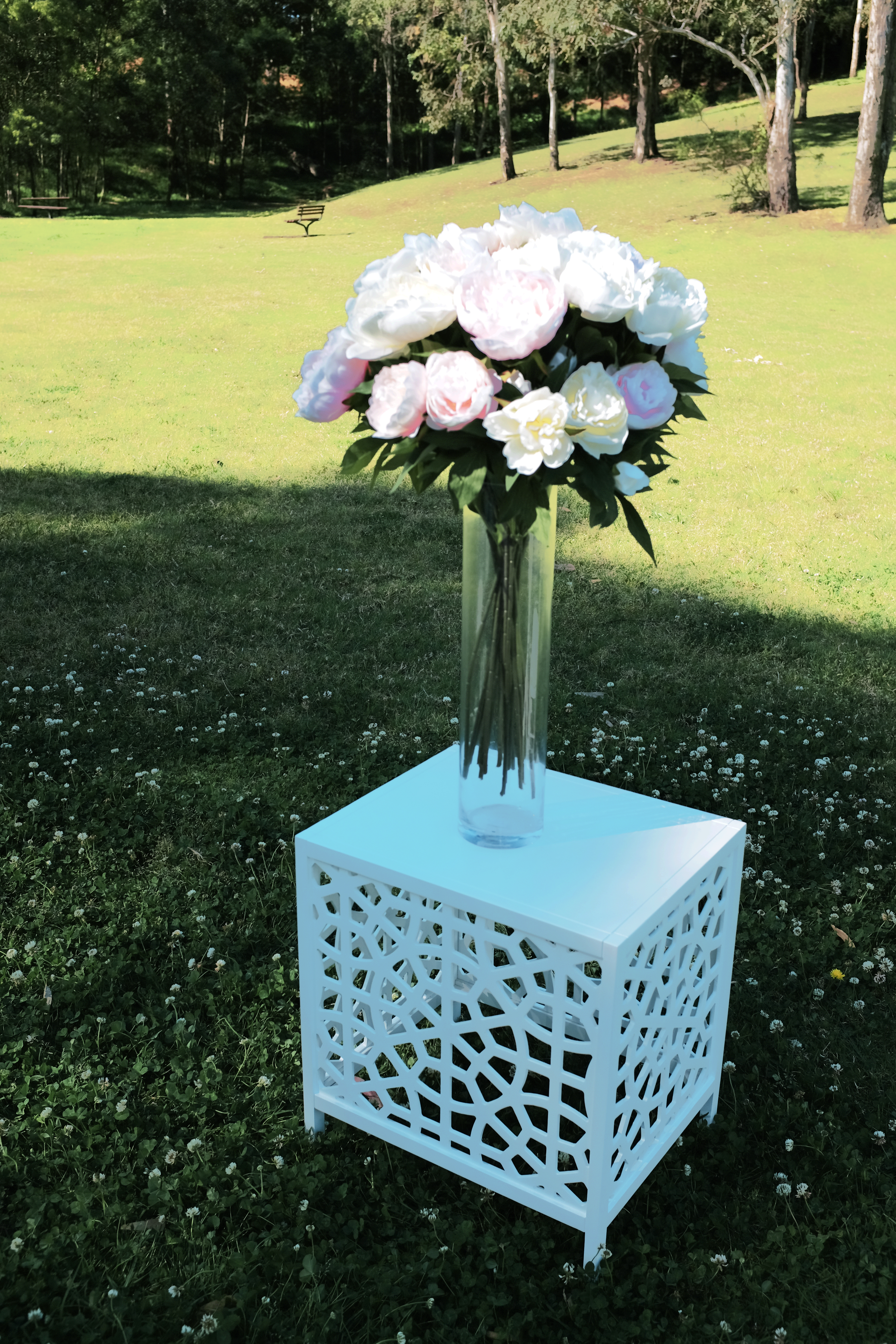 Urns pedestals flower stands vases love tweet love cylinder vases available in three different heights 50cm 40cm and 30cm x width 12cm reviewsmspy